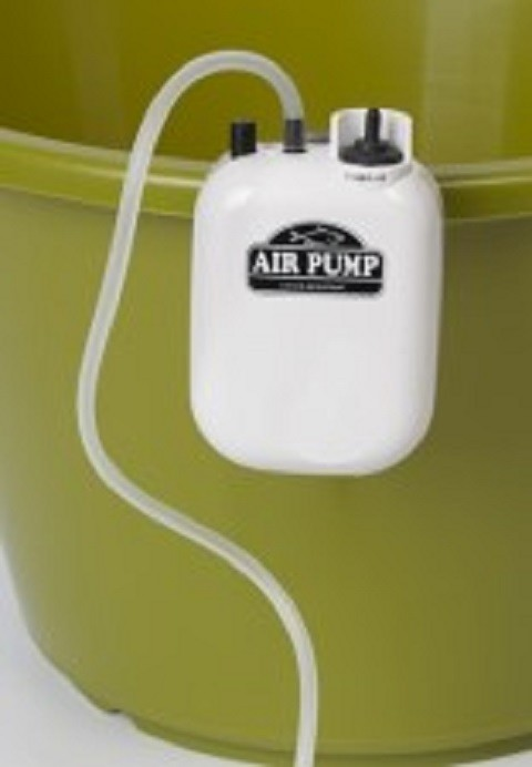 Pumpa na baterije za kedere