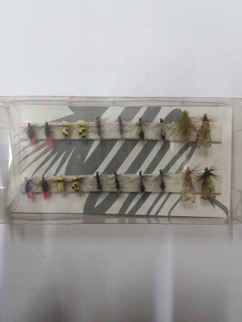 Set mušica za klena i pastrmku-20 komada